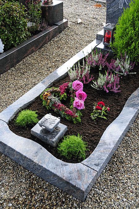 Pflegeleichte-grabbepflanzung.jpg (450×678) | Grab | Pinterest Grabgestaltung Ideen Blumen Pflanzen Deko
