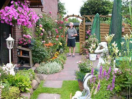 Blumen im garten  Garten mit schönen Pflanzen & Blumen anlegen - Tipps, Hilfe ...
